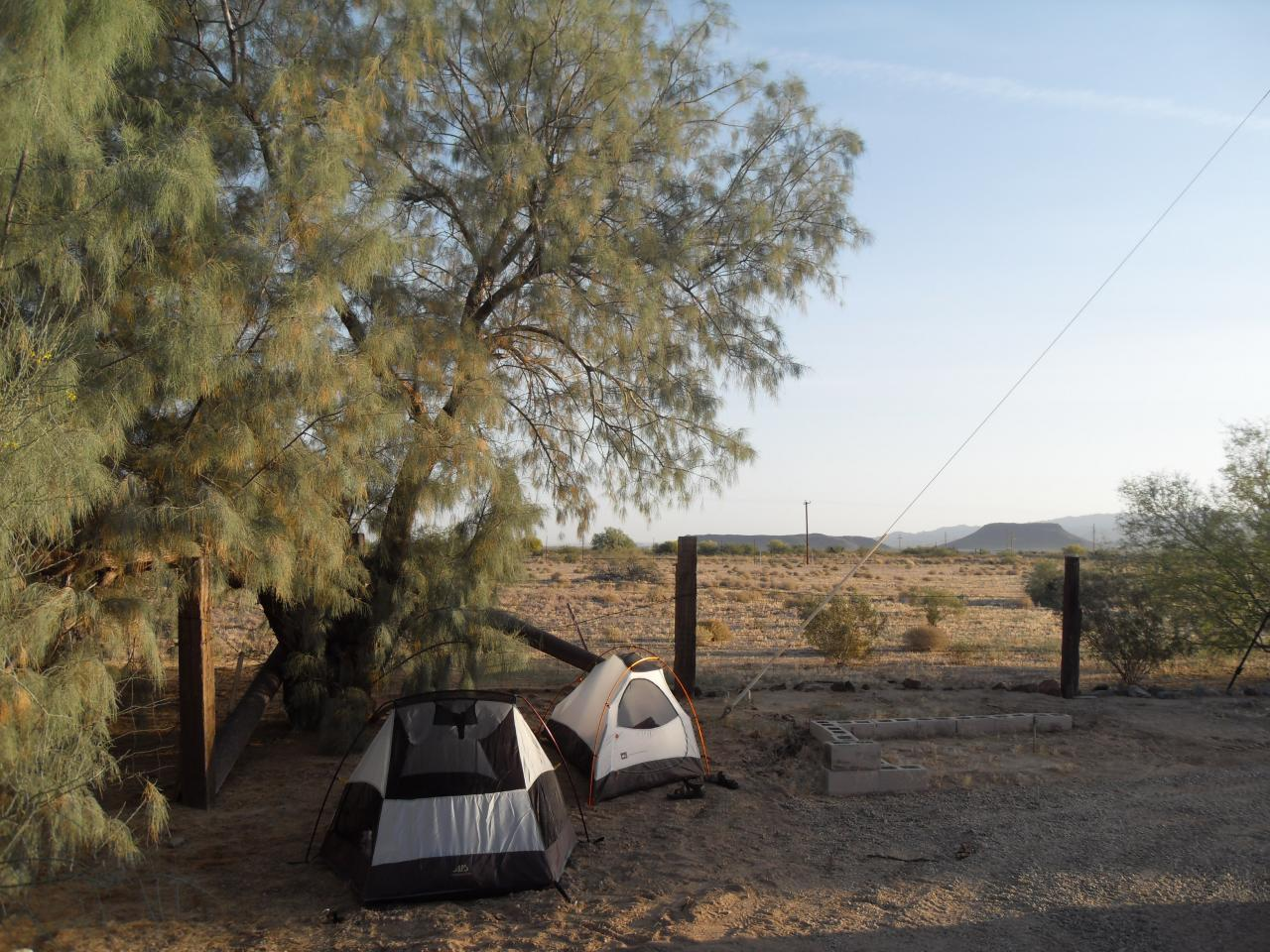 Camping in an RV park for $5, middle of nowhere, Arizona